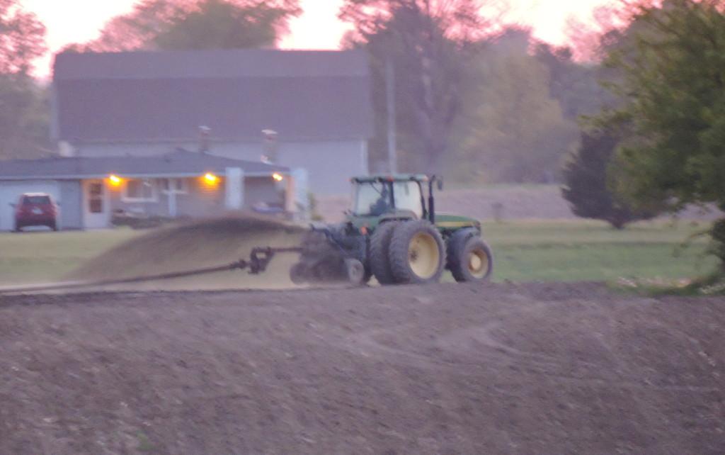Liquid Manure Surface application (Hartland Farms waste) Beecher Road, east of Hughes Highway