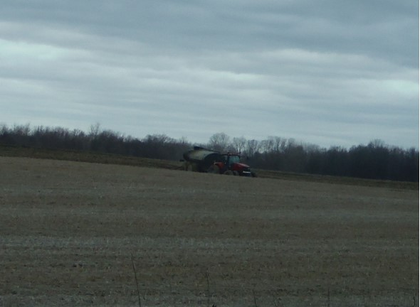 04.10.2019; Warner, liquid manure tanker application, Teachout Rd. and Pentecost Hwy., Wolf Creek:S. Branch, Raisin.